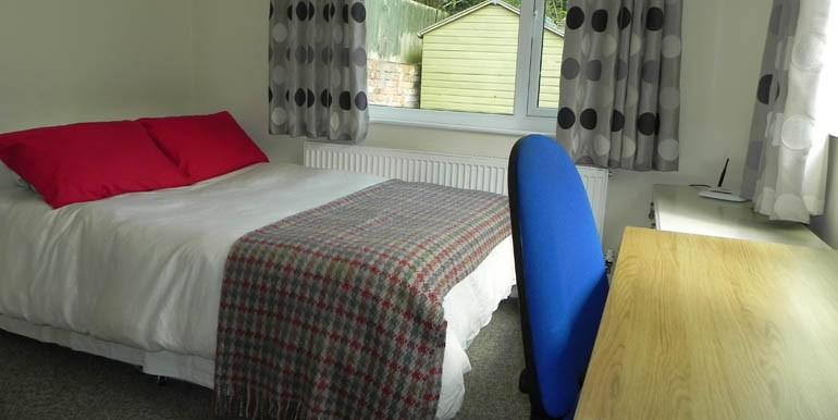 340 Beverley Road 055