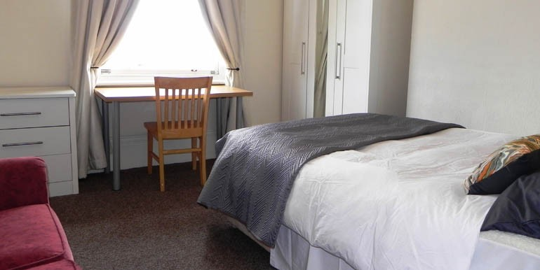 340 Beverley Road 086